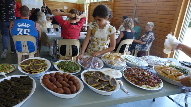 Churches welcome new zealand 39 s syrian families nz for Aroha new zealand cuisine menu