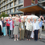 Selwyn_Village_residents_departing_on_an_excursion